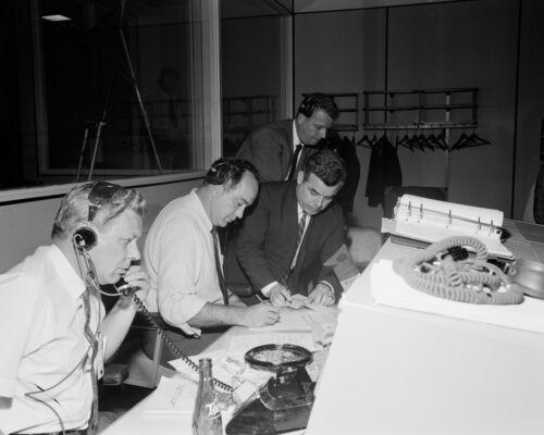 NASA OFFICIALS DURING GEMINI 4 RECOVERY OPERATIONS AT MCC  - 8X10 PHOTO (AA-466)