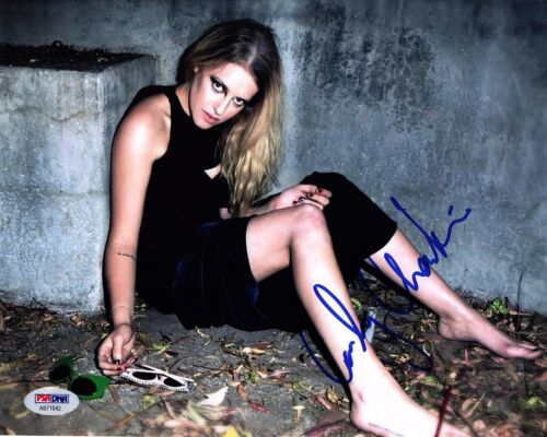 CARLY CHAIKIN SIGNED 8X10 PHOTO! AUTOGRAPH SEXY BABE FEET! MR ROBOT! PSA DNA!