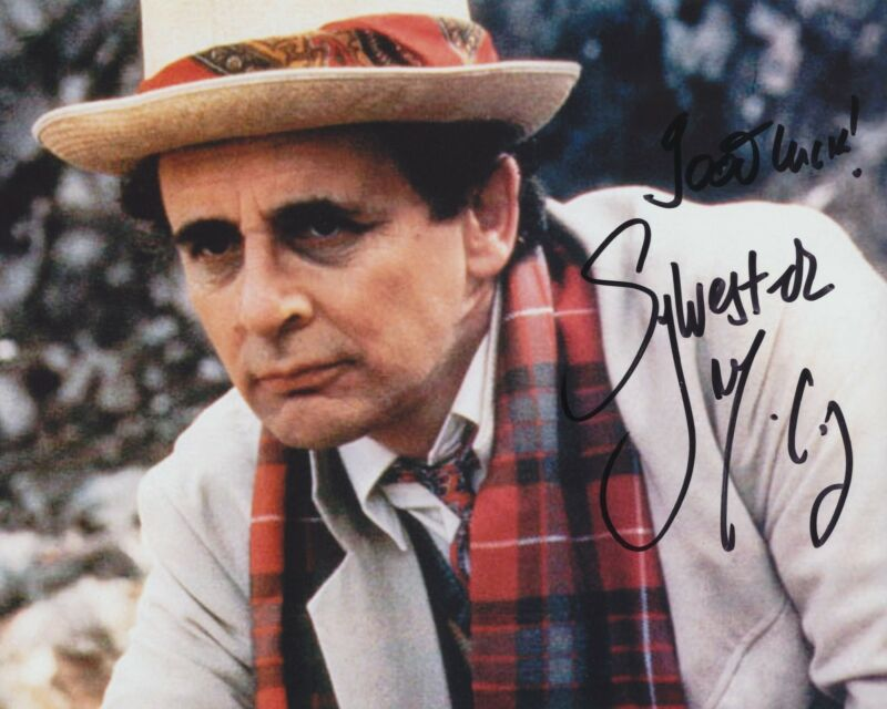 SYLVESTER MCCOY SIGNED DOCTOR WHO 8X10 PHOTO