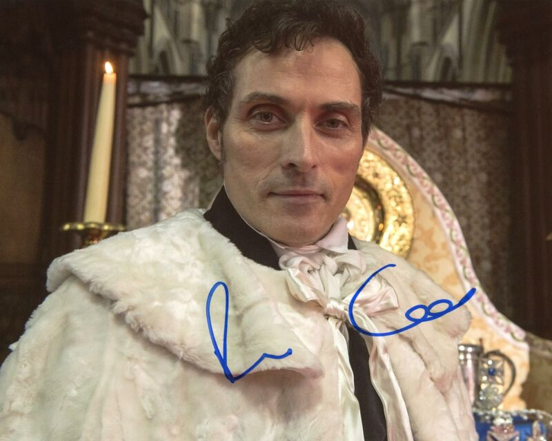 "Rufus Sewell ""The Man in the High Castle"" AUTOGRAPH Signed 8x10 Photo D ACOA"