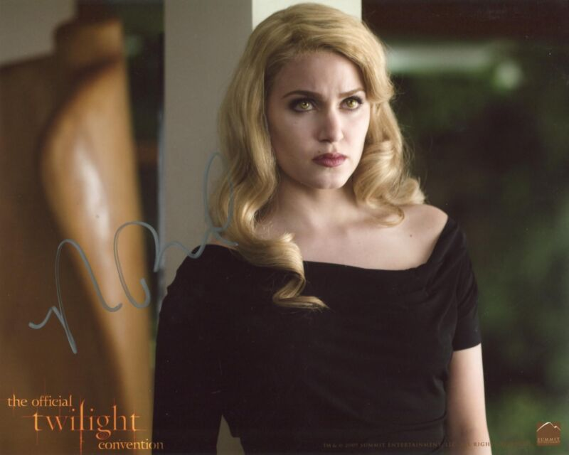 Nikki Reed TWILIGHT SAGA autograph, In-Person signed photo
