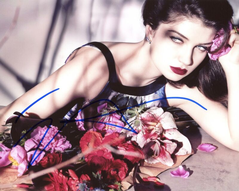 "Eve Hewson ""The Luminaries"" AUTOGRAPH Signed 8x10 Photo B ACOA"