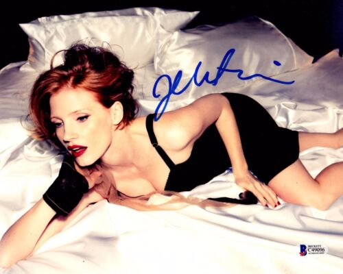 JESSICA CHASTAIN SIGNED 8X10 PHOTO! AUTOGRAPH! HOT BABE IN BED! PSA BAS COA