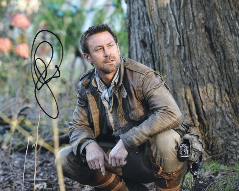 Grant Bowler Signed Defiance 8x10 Photo w/COA Chief Lawkeepe #4