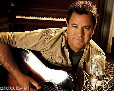 Vince Gill 8 x 10 / 8x10 GLOSSY Photo Picture