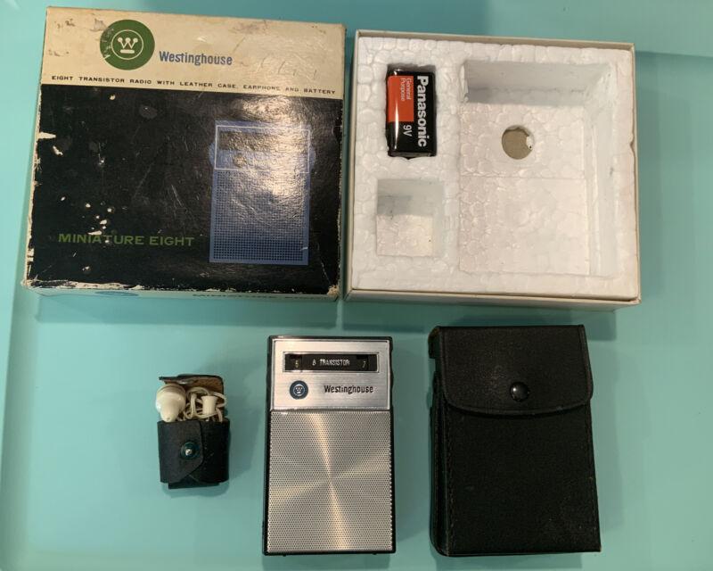 Vintage Westinghouse Miniature 8 H914P8GP Transistor Radio W/Box Working Black