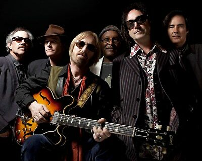 Tom Petty And The Heartbreakers 8 x 10 / 8x10 GLOSSY Photo Picture