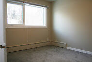 Room For Rent In Spacious Belgravia Area House! With Discounts!