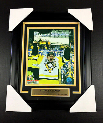 SIDNEY CROSBY MVP PITTSBURGH PENGUINS 2017 NHL STANLEY CUP #2 8X10 PHOTO FRAMED  ()