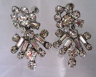 RHINESTONE SILVER TONE PRONG SETTING VINTAGE EARRINGS SCREW ON CLIP ONS