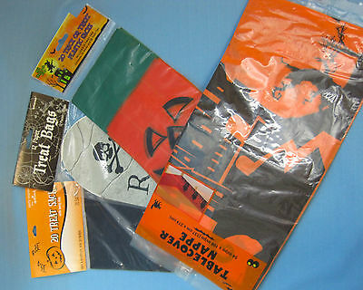 Halloween Treat Table (Halloween Trick or Treat Bags & Party Table-Cover Pumpkins RIP Lot of)