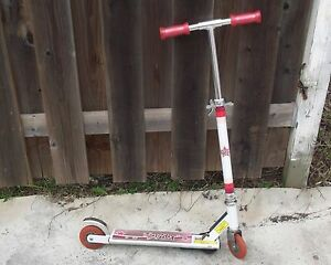 Girls Bratz Scooter