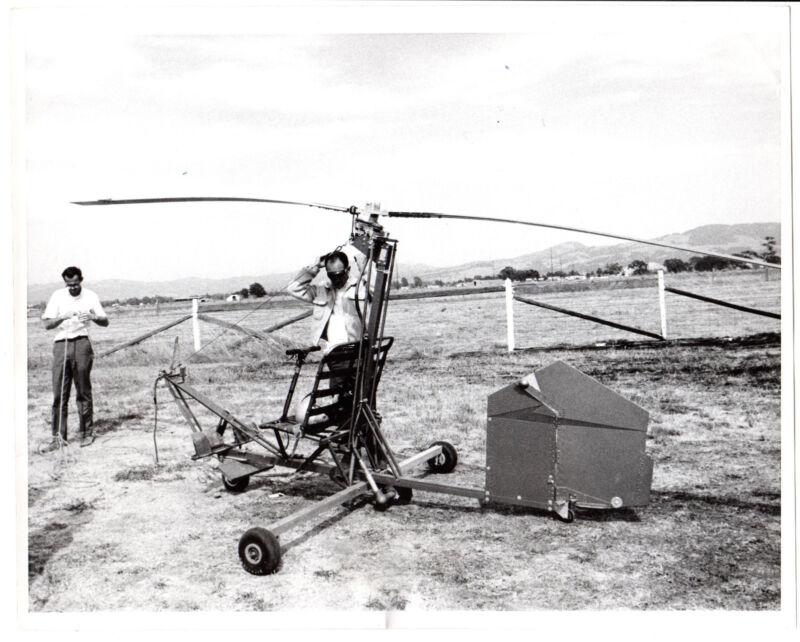 Vintage 1968 Press Photo Helicopter training in Motorless Gryoglider glider