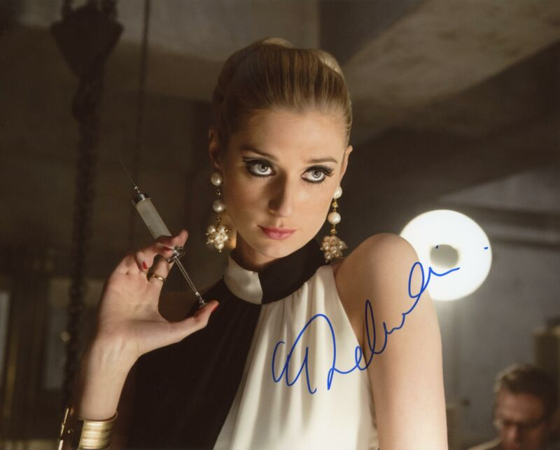 "Elizabeth Debicki ""The Man from UNCLE"" AUTOGRAPH Signed 8x10 Photo B ACOA"