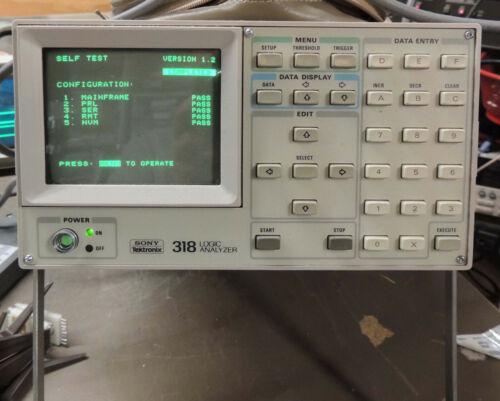 Sony Tektronix 318 Logic Analyzer, with probe and cover