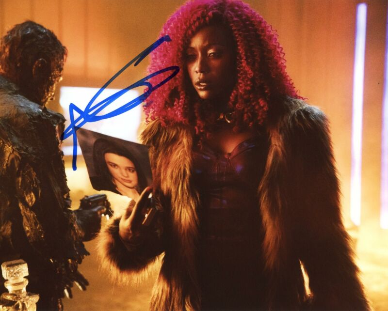 "Anna Diop ""Titans"" AUTOGRAPH Signed 8x10 Photo"