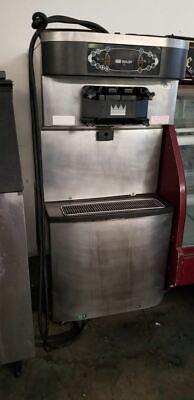 Taylor 712 Twin Twist Soft Serve Ice Cream Machine