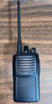 Motorola Vertex Evx261 Two Way Radio Uhf 403-470 Mhz With Antenna Charger Clip