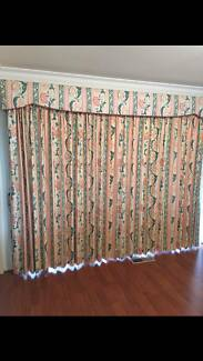 Set of 5 Curtains Narre Warren South Casey Area Preview
