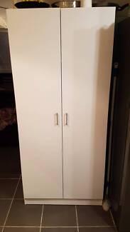 Cupboard - 900mm 2 door pantry