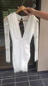 Women white lace dress Matraville Eastern Suburbs Preview