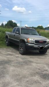 03 Duramax 6.6  (OPEN TO TRADES)