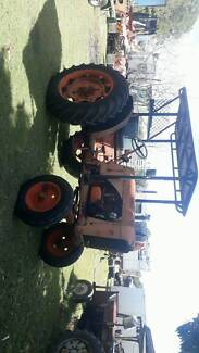 Chamberlain Tractor with 3pt linkage and pto
