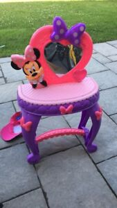 Coiffeuse Minnie Mouse comme neuf