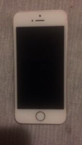 iPhone SE mint selling for parts