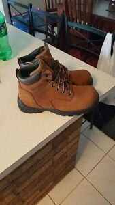 4 pairs of size 10 Workboots for sale Greenmount Mundaring Area Preview