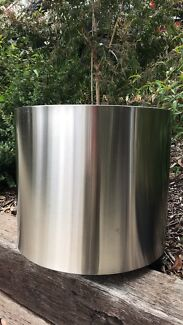 Stainless planter pot ( 4 pots available )