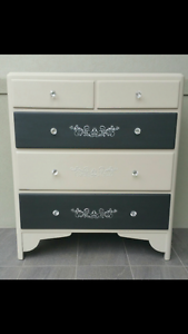Chest of drawers Lugarno Hurstville Area Preview