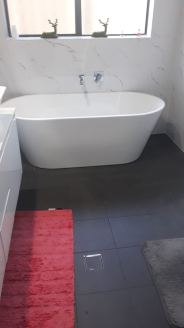freestanding modern bathtub | building materials | gumtree australia