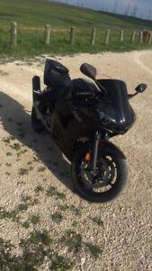 2003 Yamaha R6 (SAFTIED)
