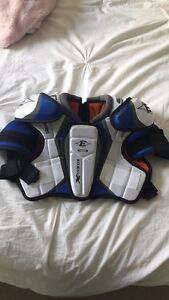 Ringette/hockey chest shoulder pad gear