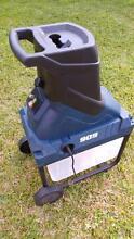 M909 Electric (2400W) Garden Shredder / Mulcher with Bucket Wellington Point Redland Area Preview