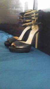 Kim kardashian size 8 stiletto open toe black nd gold worn once Toowoomba Toowoomba City Preview
