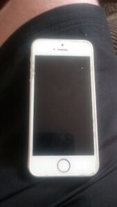 IPHONE 5S MINT CONDITIONNOCHIPS OR SCRATCHESWHAT SOEVR TOP CNDIT!