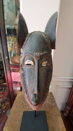 Very Nice Baule Face Mask with Stand