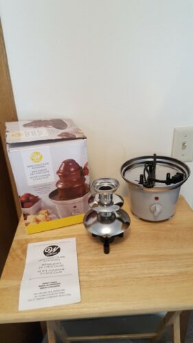 Wilton Mini Chocolate Fountain 10 Inch - Chocolate Fondue Fo