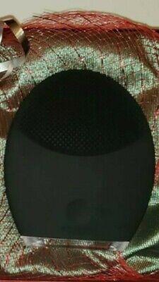 FOREO Luna 2 3-In-1 Facial Scrub Brush For Men - Black.