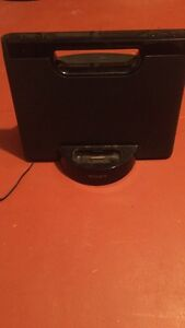 Sony iPod dock with cord or runs on battery