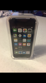 ipod touch 32 GB (brand new) latest gen