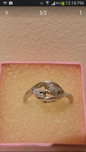 Women's genuine 925 sterling silver ring Roxburgh Park Hume Area Preview