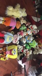 TONS of stuffies!!