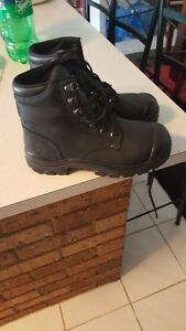 Size 6.5 new woman's workboot Greenmount Mundaring Area Preview