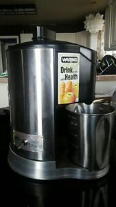 Waring juicer great condition