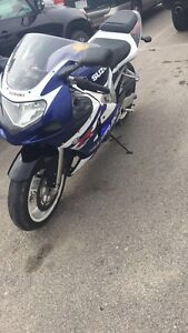 2001 GSXR 600 CHEAP BIKE NEED GONE