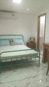 Cozy Independent Bedroom w/ bathroom & wardrobe in Hurstville.