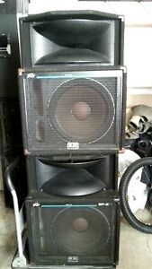 SP2 Peavey Professional Band Speakers